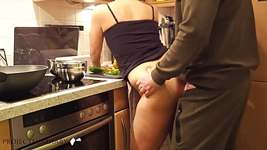 milf preparing dinner has quick kitchen fuck
